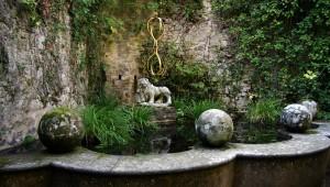 """""""Древние"""" скульптуры - важный элемент средиземноморского стиля"""