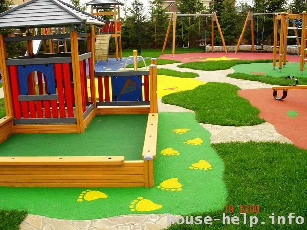 Резиновая плитка используется на детских площадках