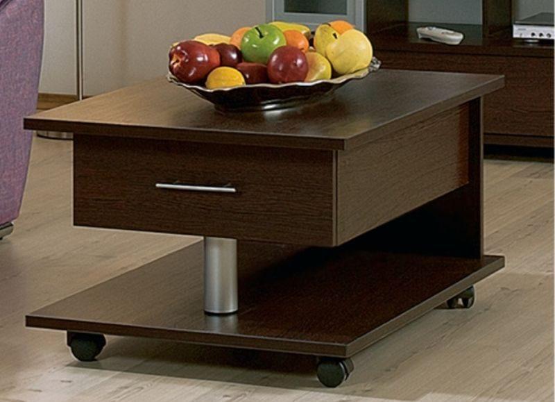 Прикроватный столик: плюсы или минусы?