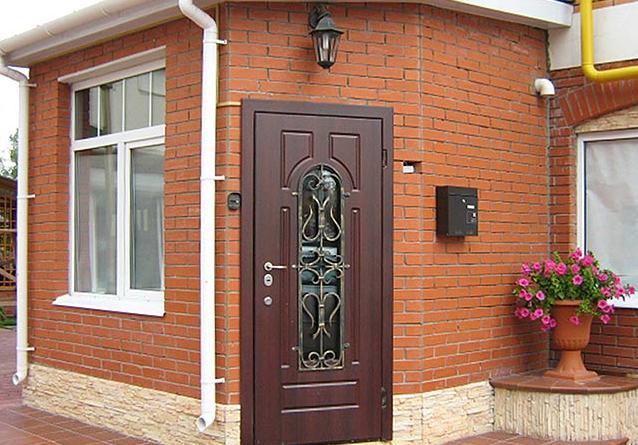 Как выбрать входные двери в дом?