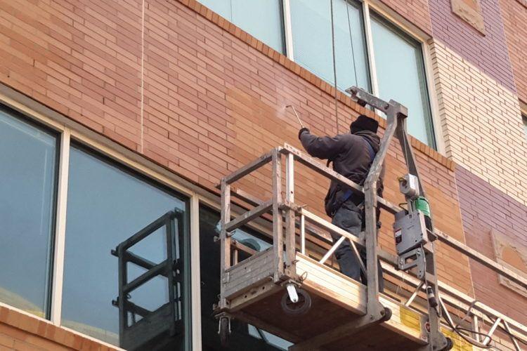 Защита фасада здания