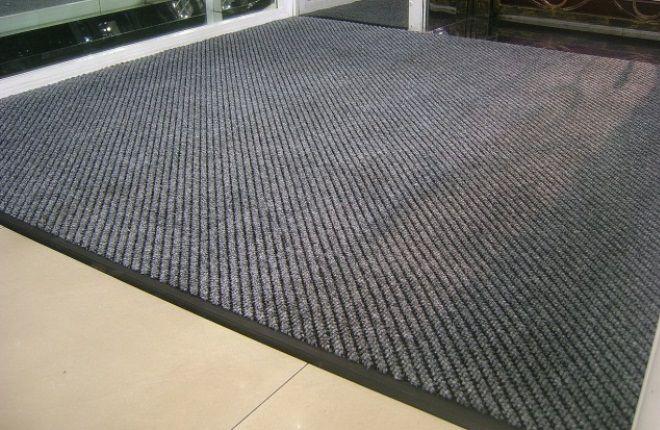 Как выбрать грязезащитный коврик?